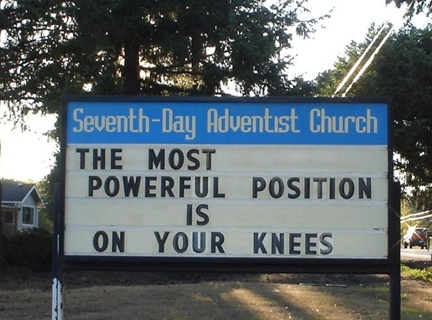 this church sign encouraging you to pray