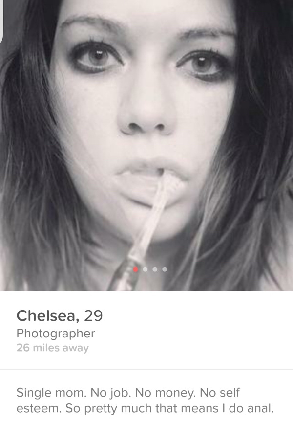 these-tinder-profiles-are-a-little-more-wtf-than-the-rest-37-photos-4