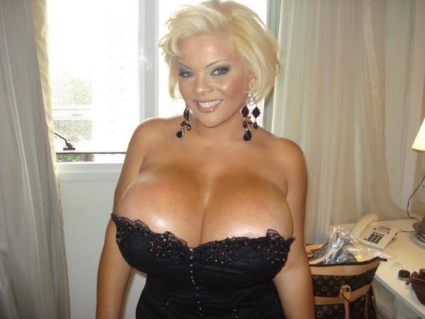 Фото большие груди женщин 16945 фотография